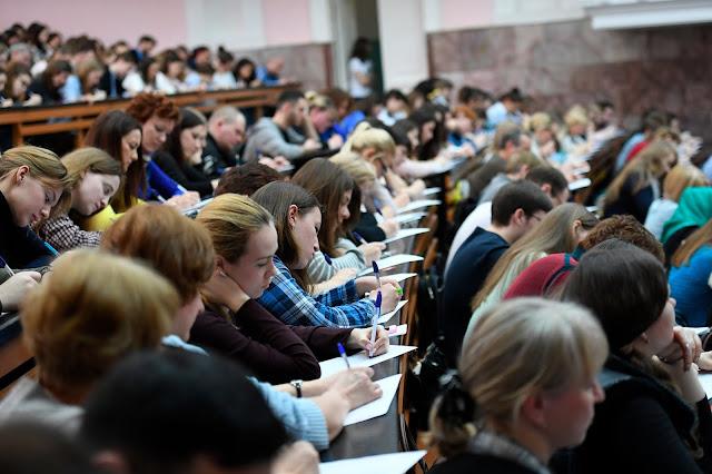 سلبيات واجابيات الدراسة بروسيا