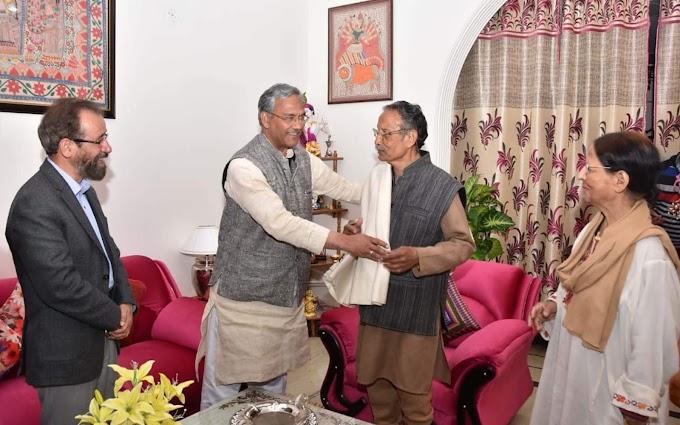 पूर्व मुख्यमंत्री खंडूड़ी से की  सीएम त्रिवेन्द्र ने शिष्टाचार भेंट