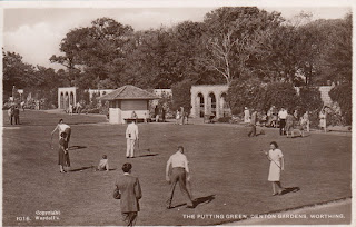 The Putting Green, Denton Gardens, Worthing. Picture Post Card by Wardell's. Postally unused. Undated