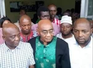 Guinée: Union entre syndicats et Forces Sociales contre la hausse du prix du carburant