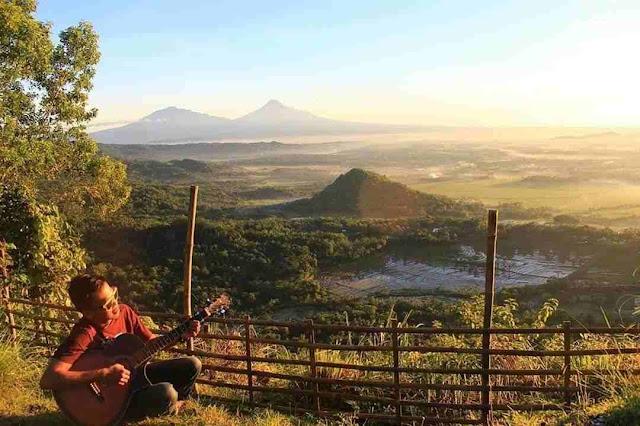 Puncak Gunung Moyeng, Wisata Tersembunyi di Kulon Progo