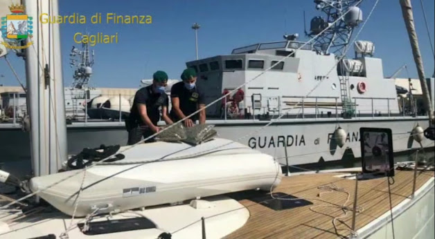 Sequestrati 100 kg di marijuana e un veliero per traffico stupefacenti nell'Arcipelago del Sulcis