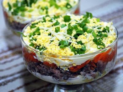 Праздничный салат Лисичка картинка