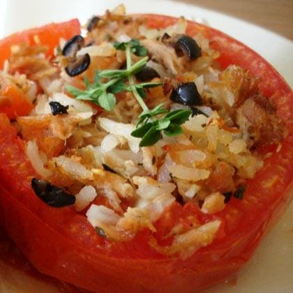 Baked Tomatoes Stuffed with Tuna and Rice
