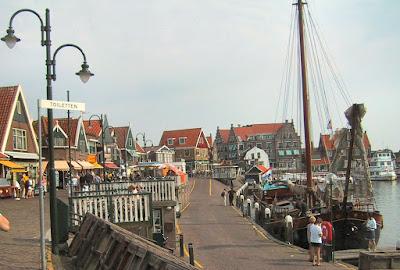 Desa Volendam