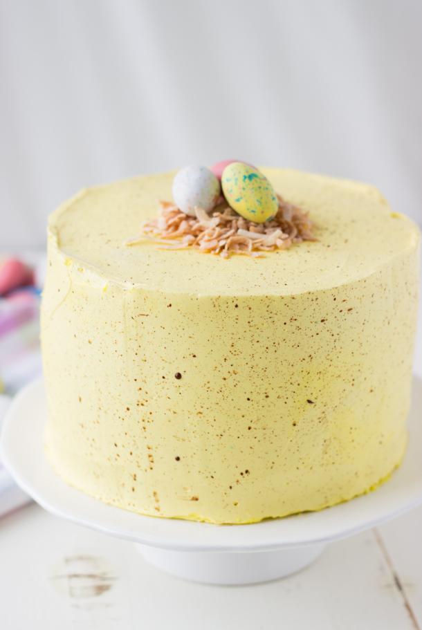 receita-bolo-pascoa-decorar-ovos-amarelo