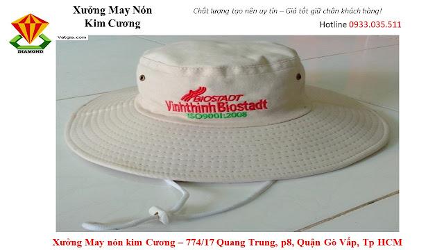May nón tai bèo số lượng lớn ở Trà Vinh