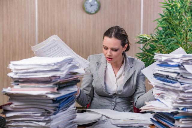 Μήπως είσαι εργασιομανής; Τα σημάδια της νέας μαζικής «ασθένειας»