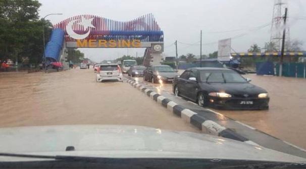 Tiga negeri mula dilanda banjir dengan 442 mangsa dipindahkan