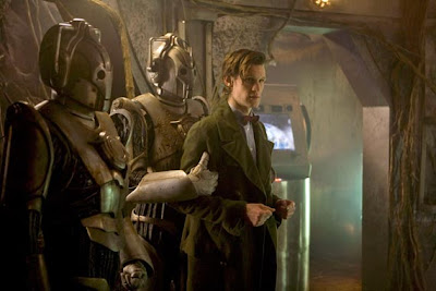 Dr Who, Closing Time, the Doctor captured by the Cybermen