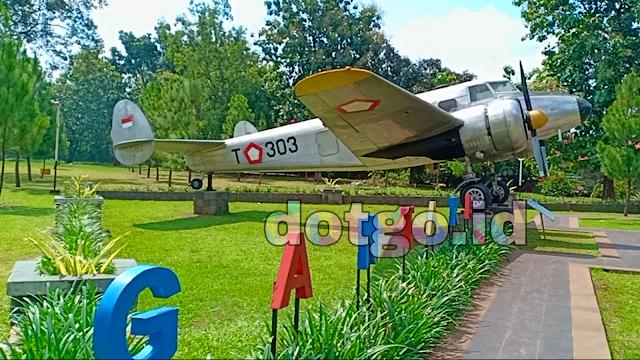 Taman dirgantara lanud kalijati subang monumen pesawat bersejarah peninggalan perang