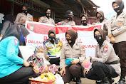 Sambut Hari Jadi Polwan ke-72, Kasat Lantas Polres Pinrang Pimpin Giat Baksos di Sejumlah Tempat