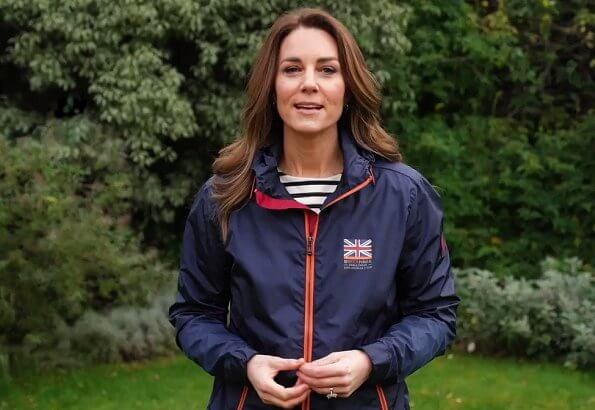 Kate Middleton wore an Ineos team UK windbreaker jacket from Belstaff Britannia, and drey long sleeved from Belstaff Britannia. Ben Ainslie