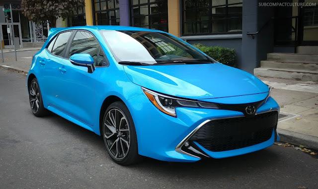 2019 Toyota Corolla Hatchback XSE front