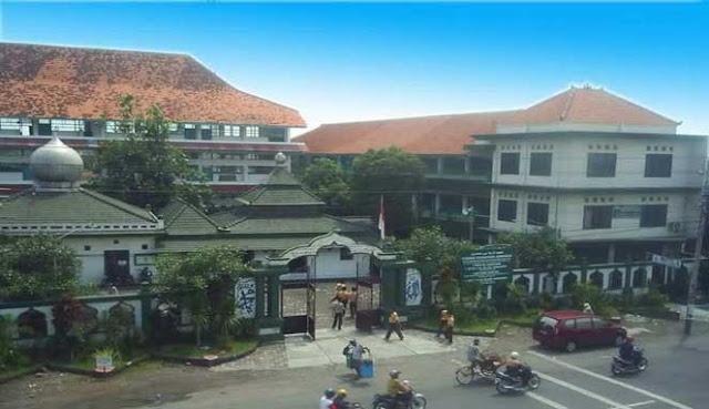 PONDOK PESANTREN TERTUA DI INDONESIA