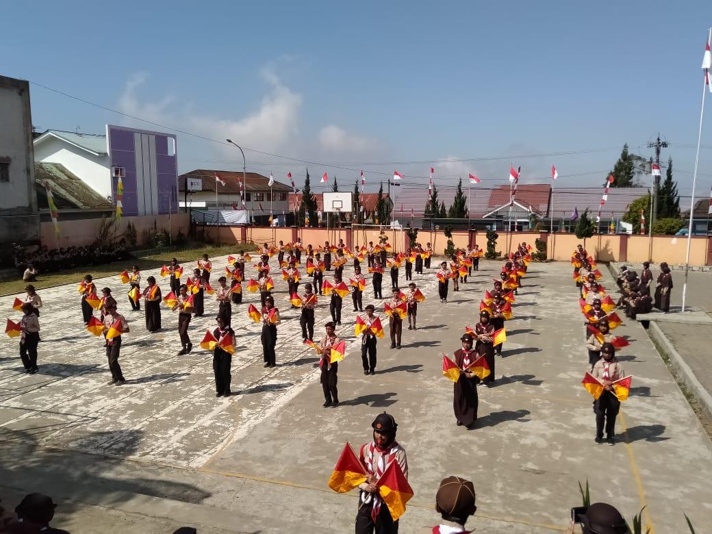 Kwartir Ranting Batur Perkenalkan Tari Semaphore Saat Hari Pramuka