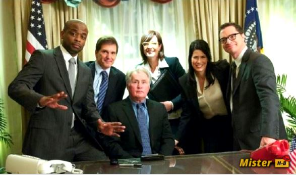 The West Wing ( At the White House ) Season 8: Release date?