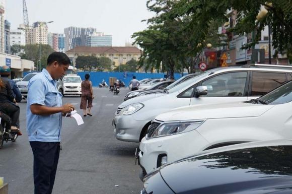 Thu phí ô tô vào trung tâm gây ùn tắc, làm lợi cho nhà cung cấp dịch vụ