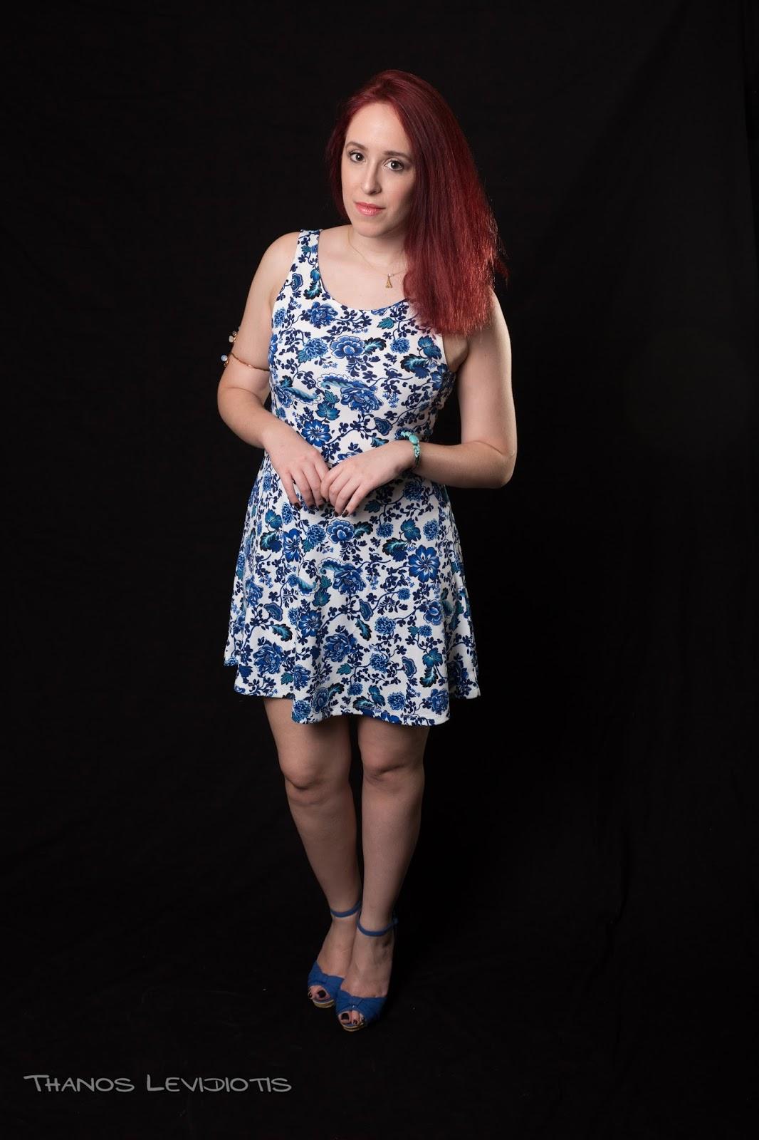spotlights on the redhead, redhead, model, blogger, review, pretty, anna keni, anna,2016,trends,H&M,dress, floral, blue dress, white dress, mini, legs, high heels