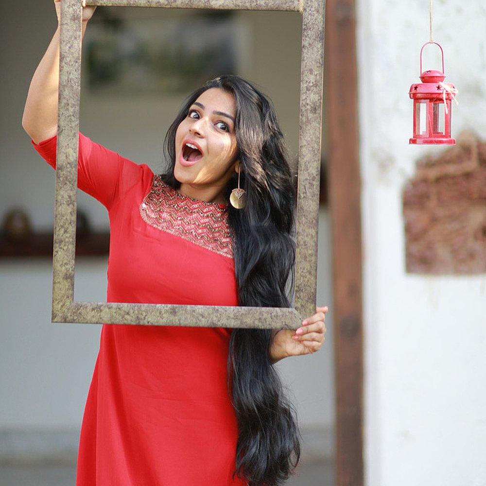 Actress Rajisha Vijayan Latest Stills actresshot.bid