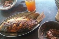 Kuliner Andalan Pemalang Ikan Bakar WTS Bu Ruslani
