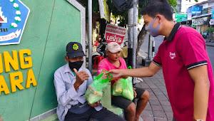 Hadapi Covid-19 Saat Ramadhan Anak Tentara Tuban Bagikan Sembako