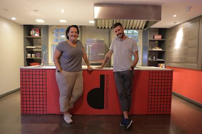 Diogo Carvalho e Lela Zaniol apresentam Destemperados na TV. Crédito: Lucas Borba