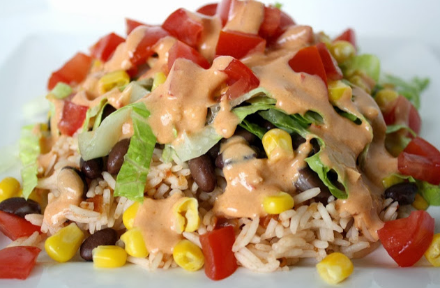 Burrito Bowl with Creamy Chipotle Sauce #bowl #yummy