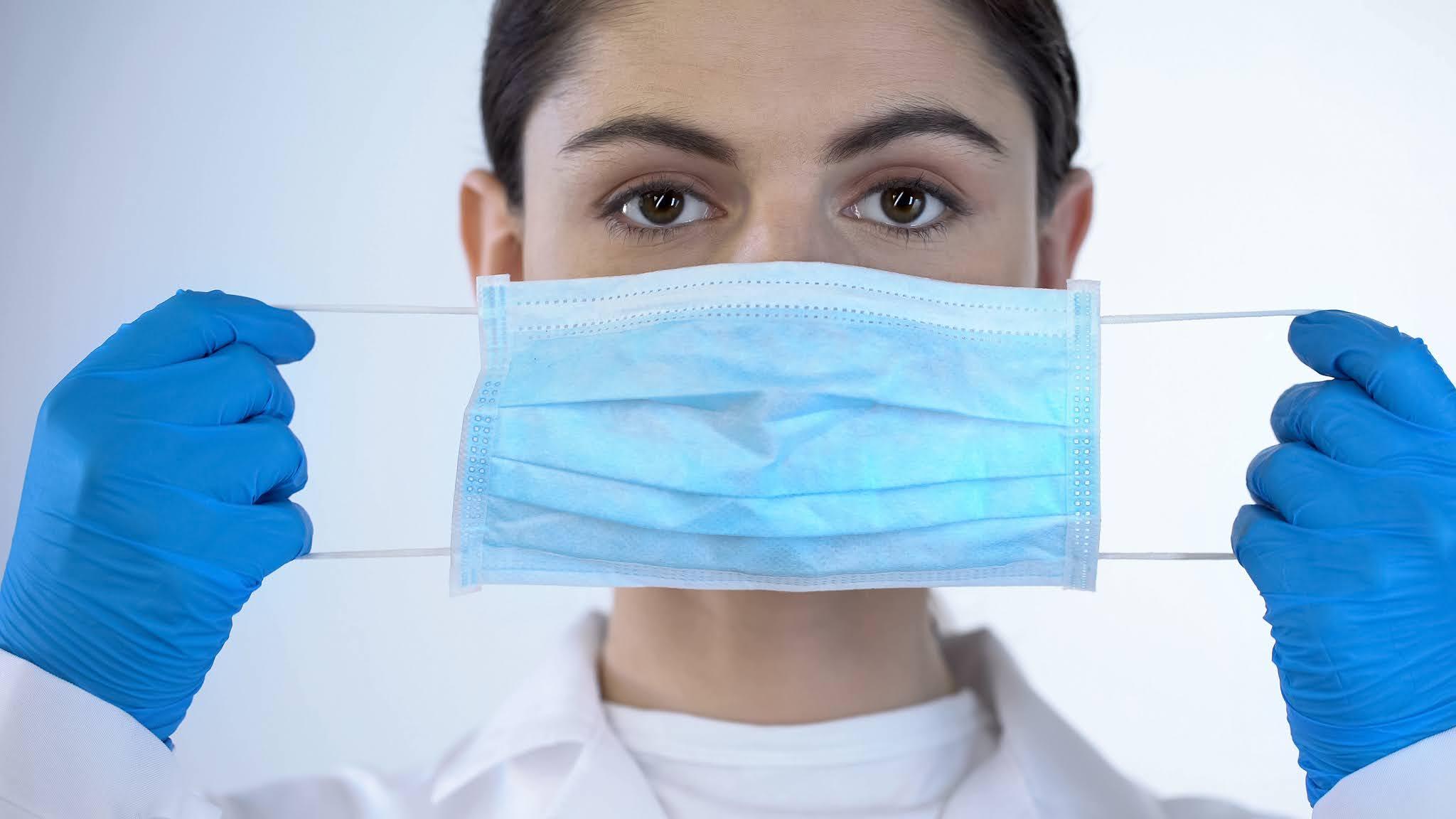 O uso máscara está te deixando receptivo para o vírus, revela a ciência