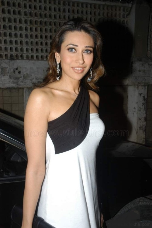 Karishma Kapoor Sexy Photo Karishma Kapoor Sexy Photo