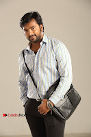 Kalaiyarasan Satna us Starring Yeidhavan Movie Stills  0001.jpg