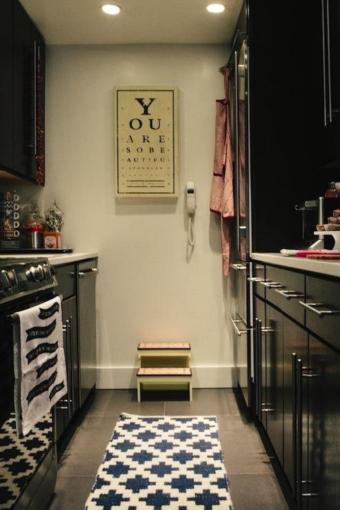 10 grandes ideas de 10 pequeñas (y estrechas) cocinas | Ministry of Deco