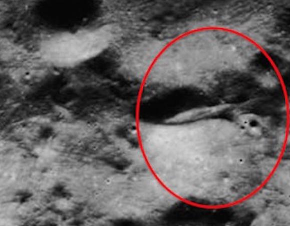amazing ufo on the moons surface crash site