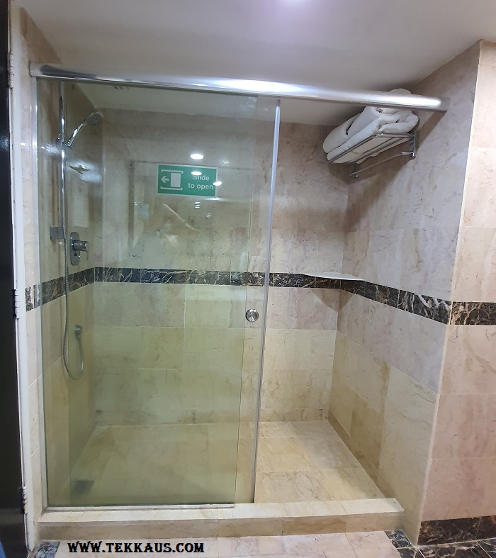 Bayview Hotel Melaka Bathroom Toilet Pictures