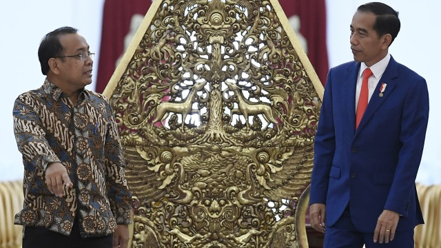 Hubungan Jokowi & Pratikno Mulai Renggang, Isu Reshuffle Menguat