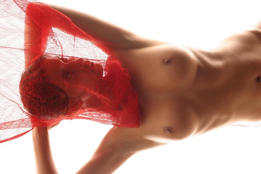 Met-Art 20041226 - Girls - Red Veil - by Jalocha
