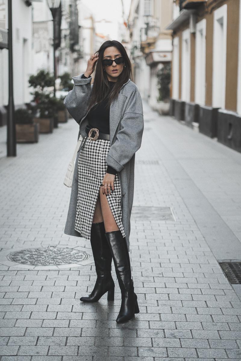 outfit con abrigo de temporada