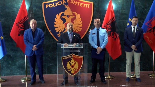 Albanian gang organizing clandestine trafficking to the United States with false documents was demolished
