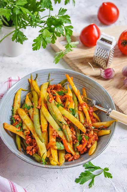 Fasolka szparagowa w sosie bolognese