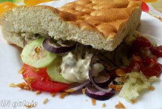 Kebab drobiowy z wędzoną mozzarellą