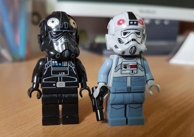 Пилот AT-AT и пилот TIE фигурка лего