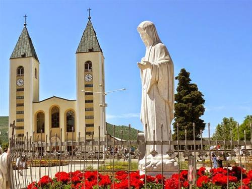 """Mễ Du: """"7 lần Đức Mẹ hiện ra đầu tiên có thể được Tòa Thánh công nhận trong năm"""""""