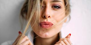 6 Manfaat Lip Balm Selain untuk Bibir Pecah-Pecah