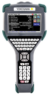 Handheld HART communicator for characterizing industrial process transitters
