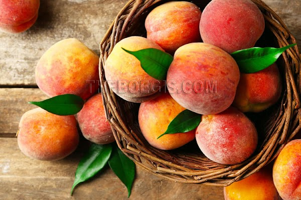 Benefits of peach fruit for healthy body and skin