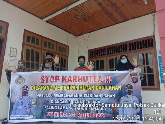Sosialisasikan Karhutla, Polsubsektor sematu Jaya sambangi perangkat Desa