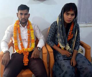 जौनपुर : अन्तरजातीय युगल प्रेमी ने त्रिलोचन महादेव मन्दिर में रचायी शादी | #NayaSabera