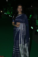 Dia Mirza in Sizzling Designer Saree at THE OLIVE CROWN AWARDS 2017 13.jpg