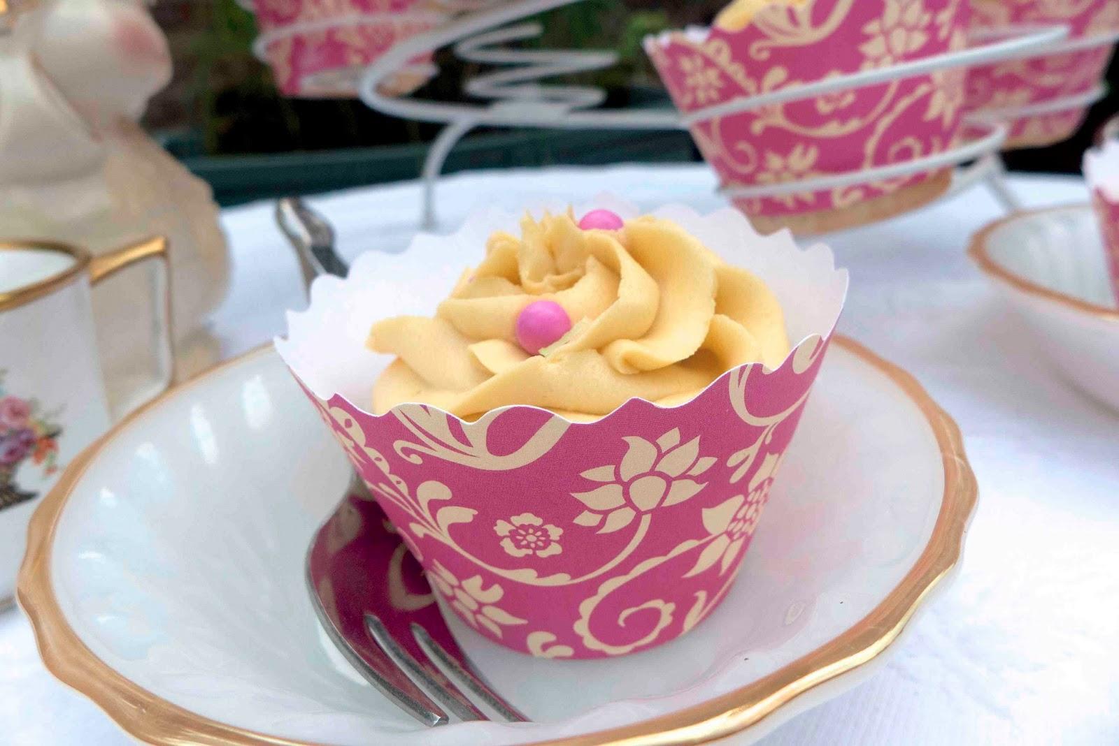Lilac Vanilla Bean Cupcakes For A Cupcake Couture Blog