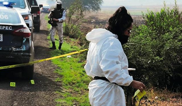 Ejecutan a 5 los dejaron tirados con el tiro de gracia a la orilla de la carretera ejecutan  2 eran mujeres
